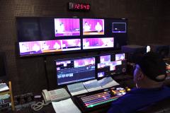 multiple screens in recording studio